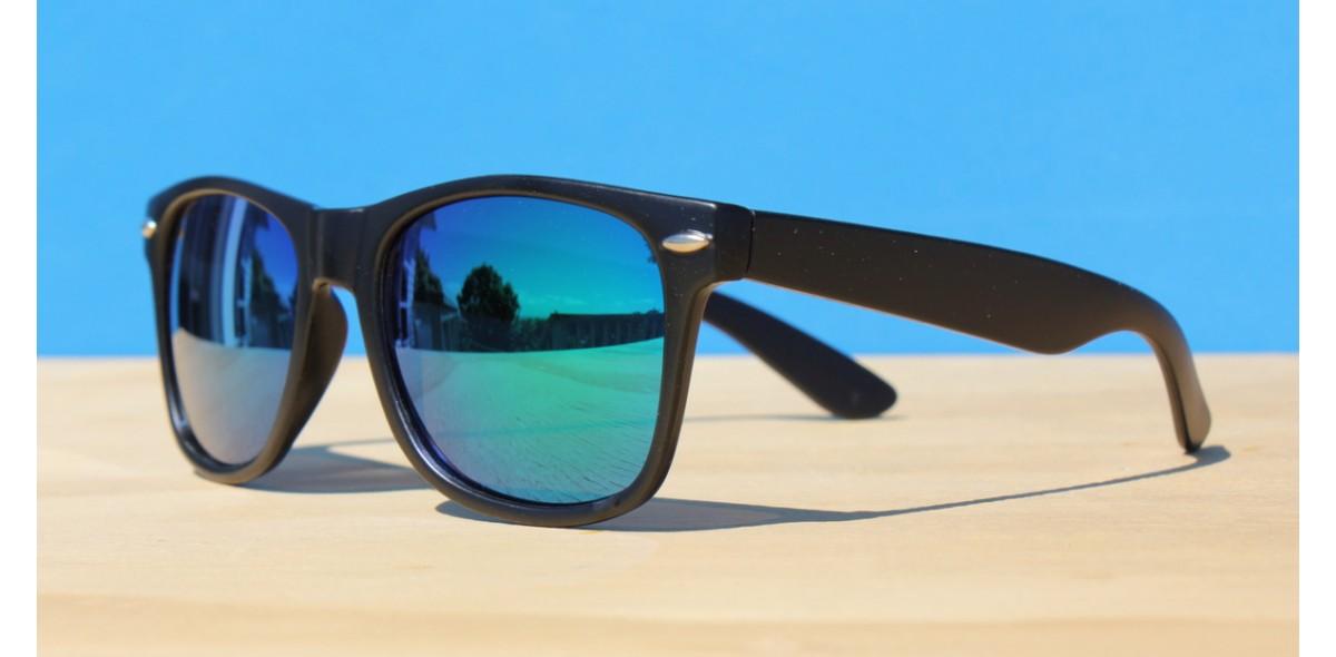 Classic Style Sunglasses, LA Revo Aqua